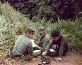 Sitrep time in Singapore, 3 PARA,  1975.