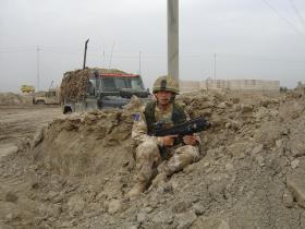 Soldier from 2 PARA stopped by a roadside, Iraq, Op Telic 7, 2006