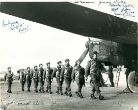 Stick from No 2 Commando emplaning to a Whitley, late 1940
