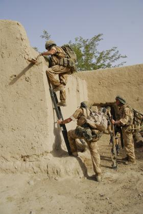 3 PARA make a tactical entry to a compound, Musa Qala, Afghanistan, August 2008.
