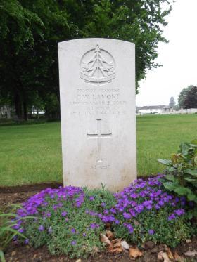 Headstone of Trooper GW Lamont, Ranville War Cemetery, May 2013.