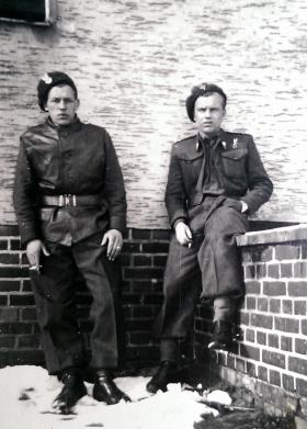 Two members of the 1st Polish Independent Parachute Brigade during The Second World War.
