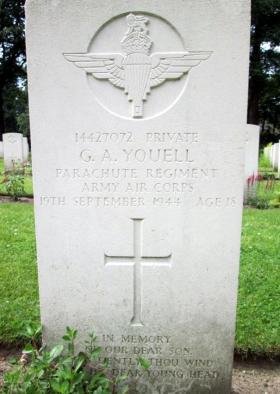 Headstone of Pte George Youell, Oosterbeek War Cemetery, Arnhem.