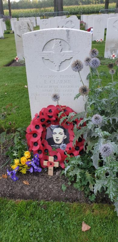 Ellis  Clarke headstone at Oosterbeek