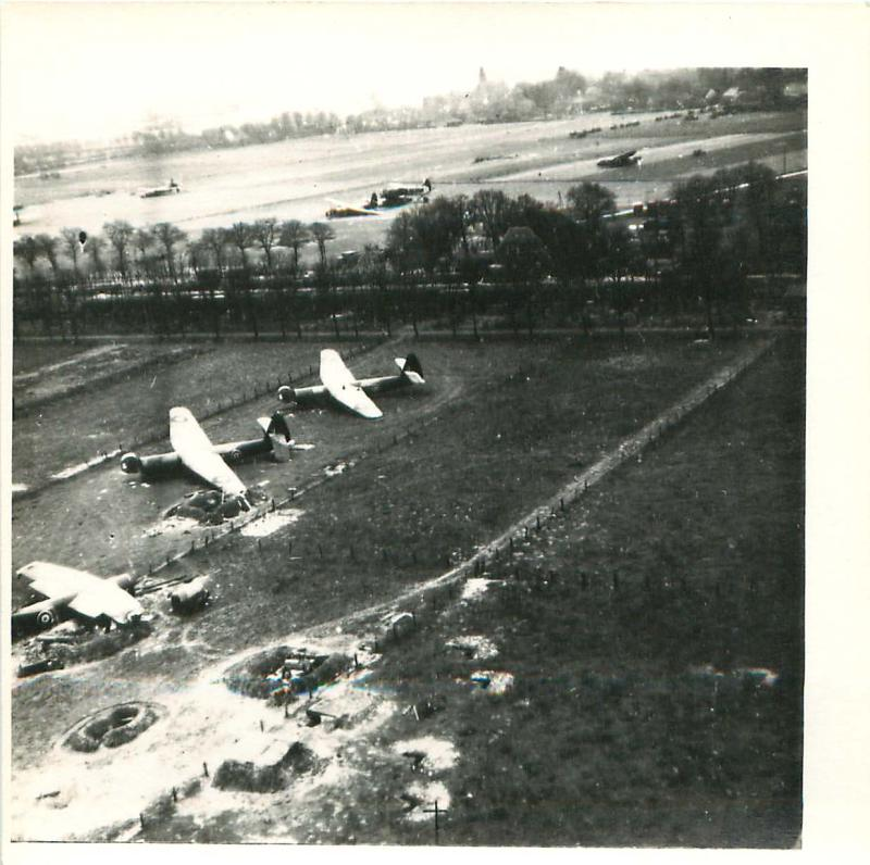 Gliders on the ground after the British airborne landing in the Rhine battle area.