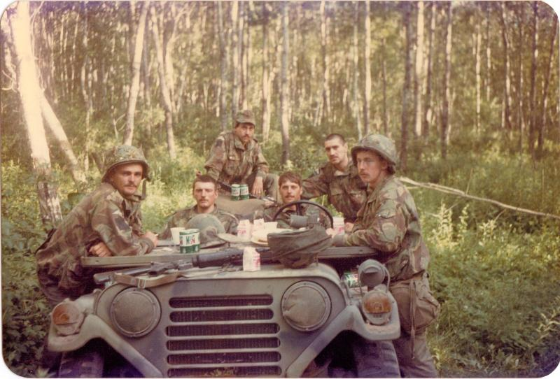 4 PARA Mortars and Anti-Tank platoon having breakfast in Minnesota, 1983