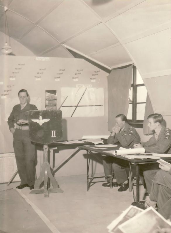 Nicosia 1959 2 Para Air Briefing for Exercise Dry Martini