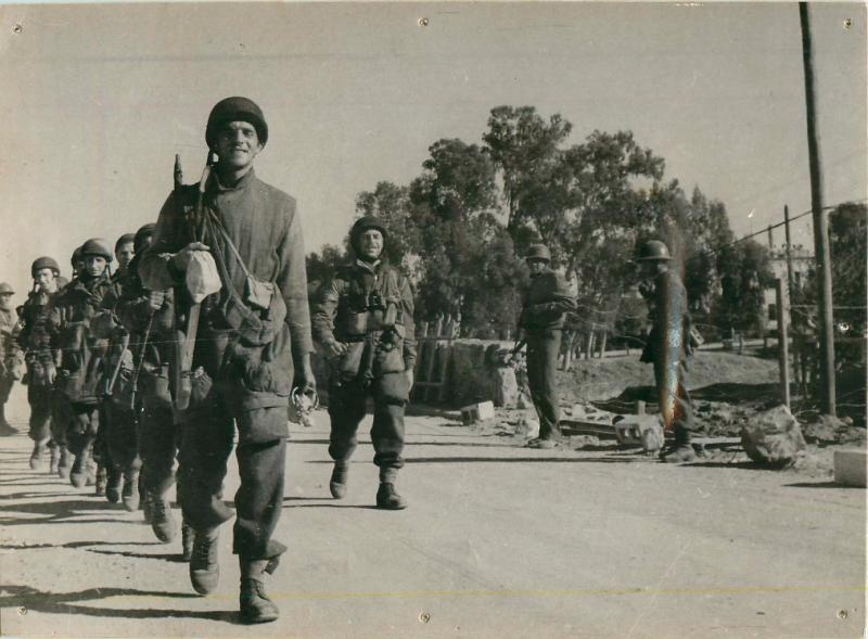 2nd Parachute Battalion marching in Tunisia.